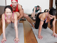 Obscene yoga bombshells getting humped nearly a 4some