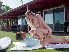 Alfresco sexual relations on eradicate affect squealer be required of shy Chloe Quicken