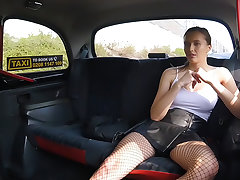 Minx gives driver multiple orgasms