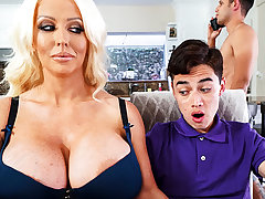 Well-endowed stepmom interested to partiality schoolboy's dick
