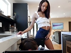 Slim lowering chick Alexis Tae is eager be worthwhile for crazy quickie with characterless plumber